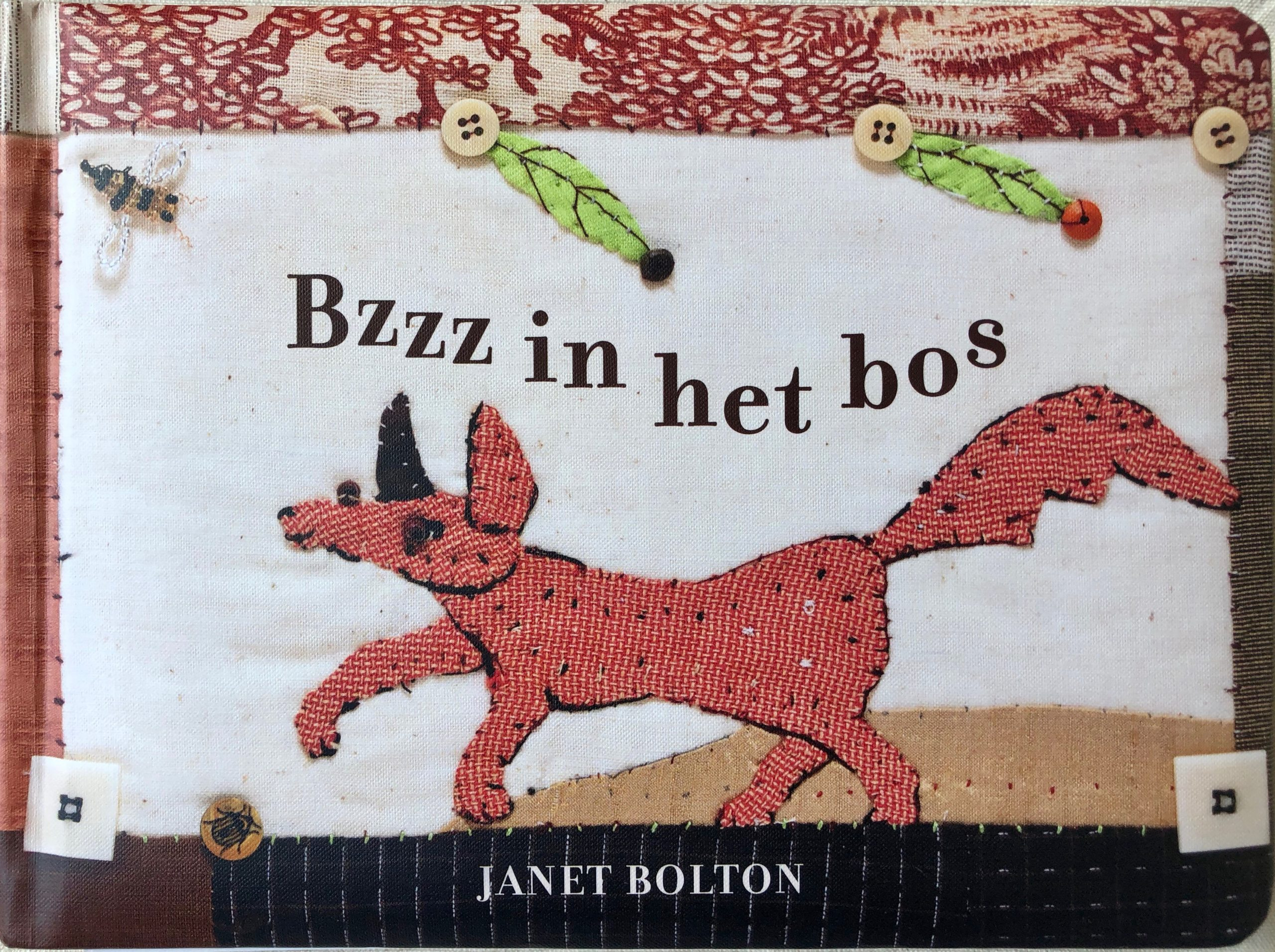 Boek cover van 'Bzzz in het bos' geschreven door Naomi Tieman